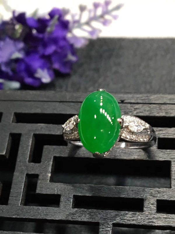 12.2*8.3*3.9mm冰种满绿 缅甸天然翡翠戒指