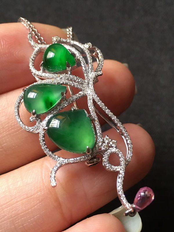 玻璃种纯净艳阳绿 翡翠胸针 整体48218mm