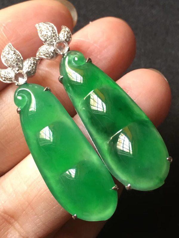 玻璃种饱满辣色艳阳绿 翡翠耳坠31.611.65mm