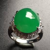 冰種帝王綠蛋面翡翠戒指
