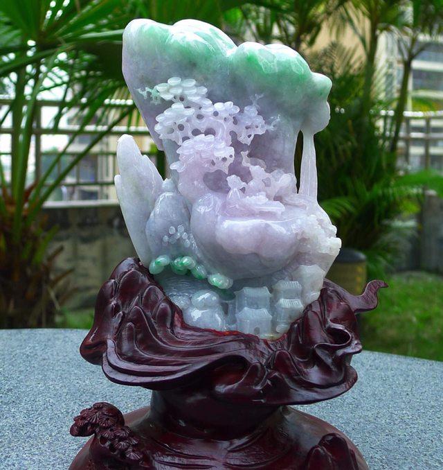 冰糯紫底飘阳绿山水翡翠摆件