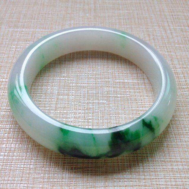 冰种飘绿花翡翠手镯 缅甸天然翡翠正圈手镯
