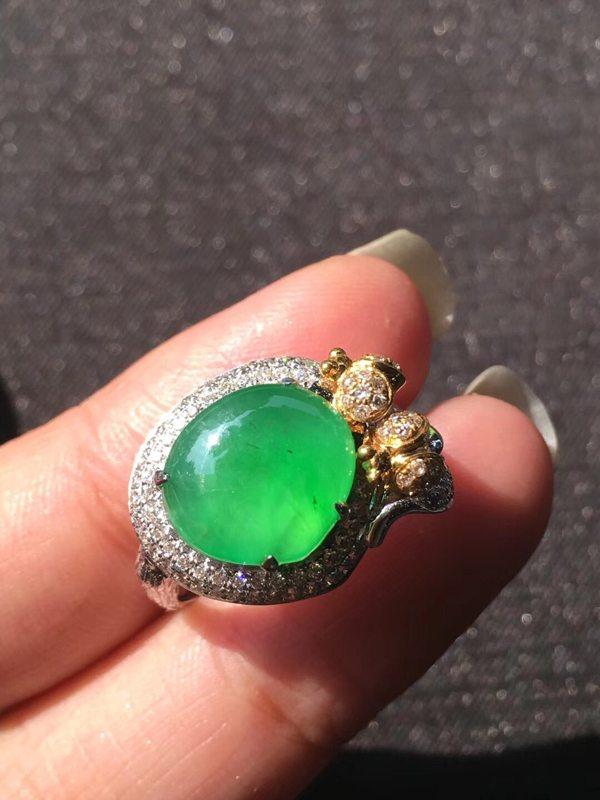 玻璃种甜木那正阳绿色 翡翠戒指