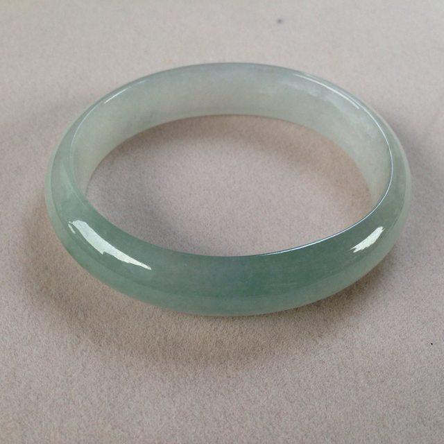 冰种蓝水翡翠贵妃手镯:58.8-52-13.4-6.4mm