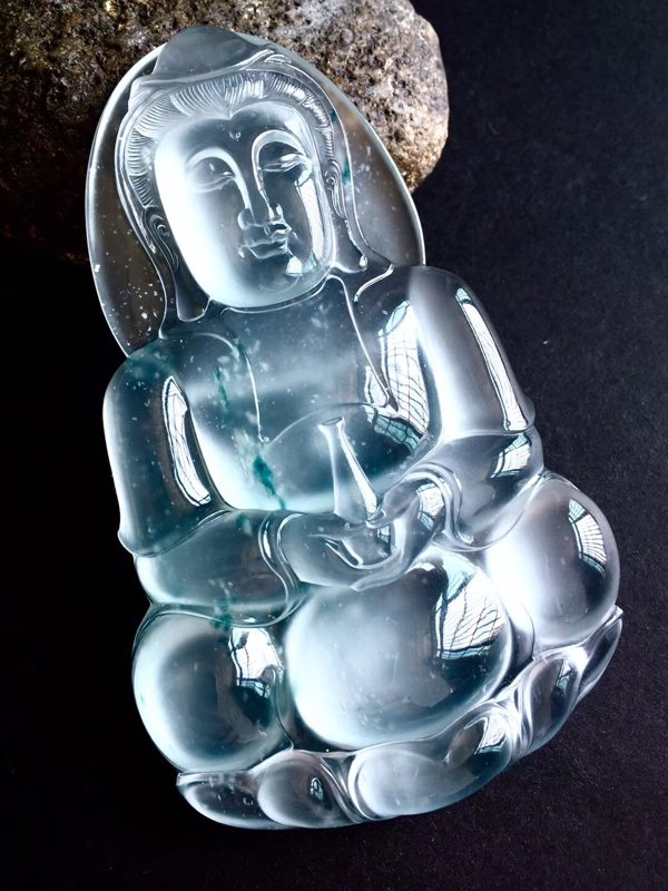玻璃种飘花翡翠观音