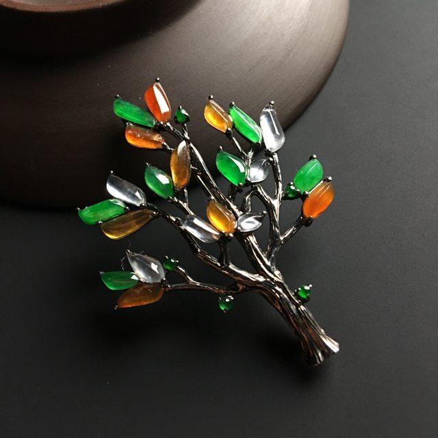 三彩圣诞树 翡翠胸针 整体尺寸49-36-7毫米图0