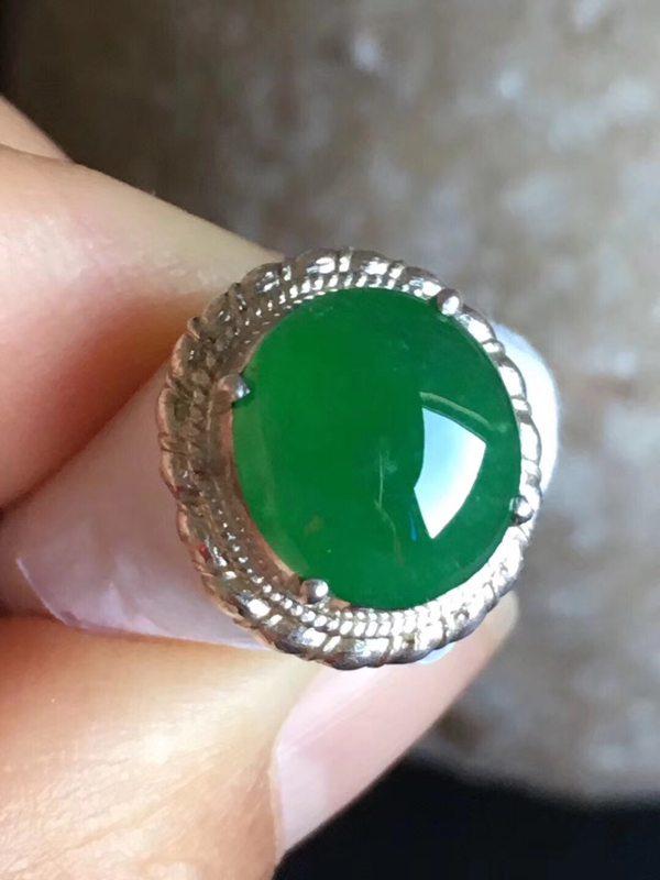 10.7-9.5-4.3寸老坑冰种 阳绿色 缅甸天然翡翠戒指