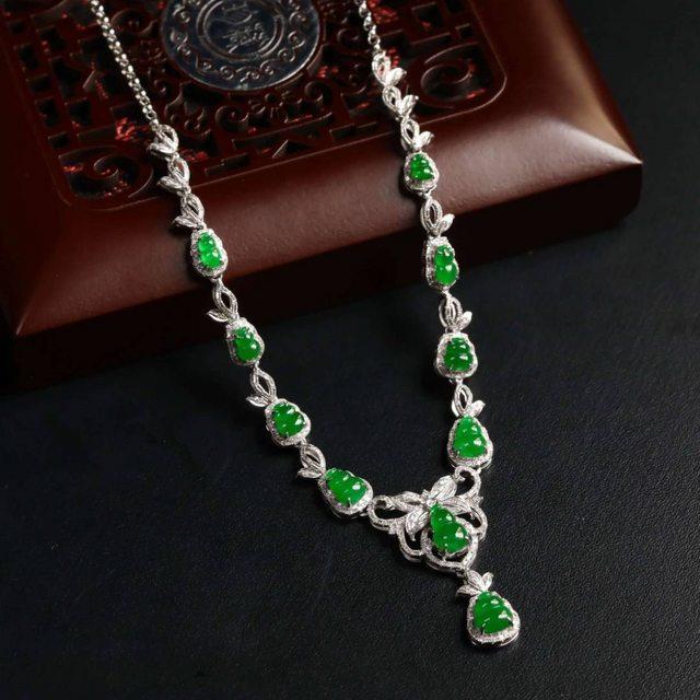 冰种翠绿葫芦翡翠项链