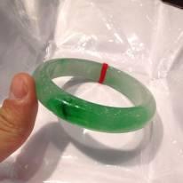 玻璃种飘绿正圈翡翠手镯