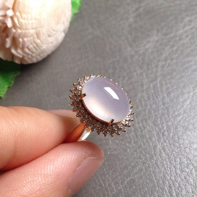 高冰强荧光淡粉紫翡翠戒指