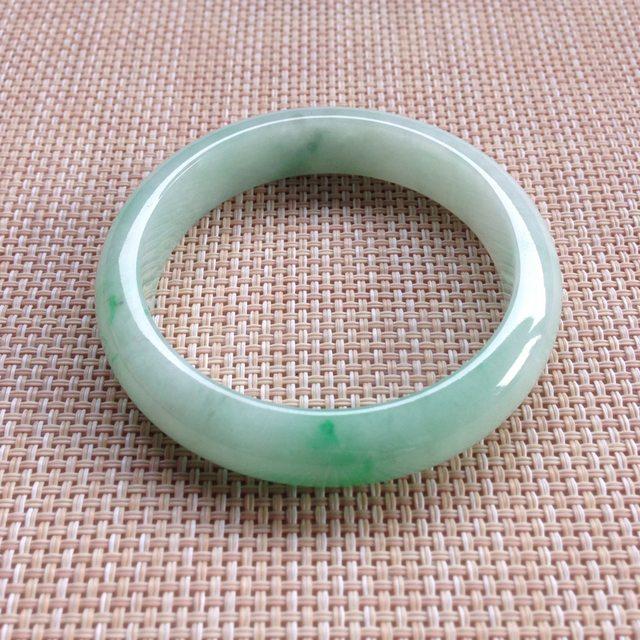 正圈糯种飘绿翡翠手镯  缅甸天然翡翠手镯