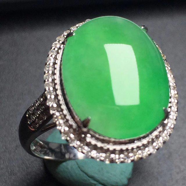 冰种阳绿蛋面 缅甸天然翡翠戒指 真金真钻镶嵌