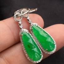 冰润满绿翡翠福豆耳坠