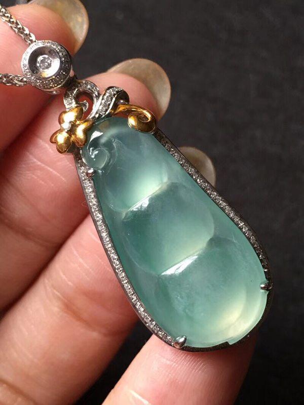 玻璃种纯美蓝水 翡翠挂件 裸石29.5:13.5:4mm
