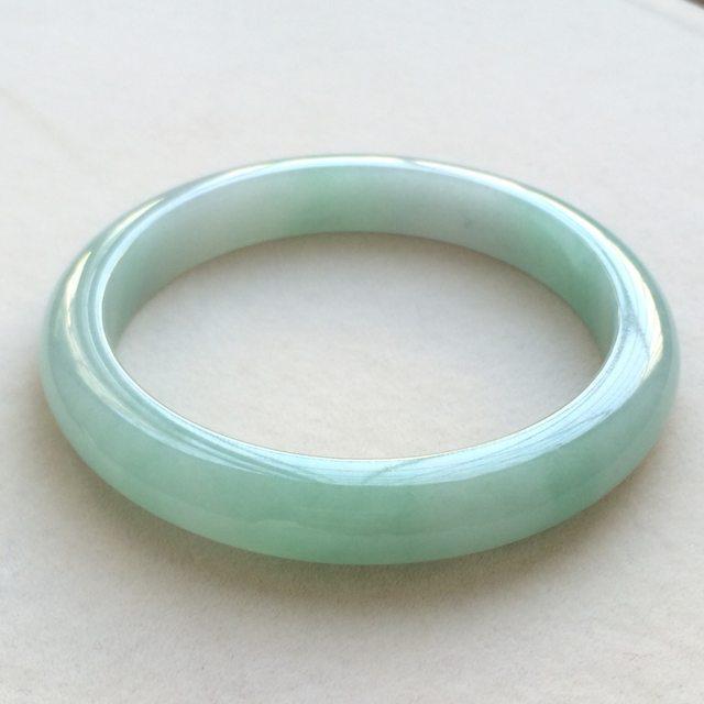 冰种飘绿翡翠手镯 缅甸天然翡翠正圈手镯  尺寸:60.寸