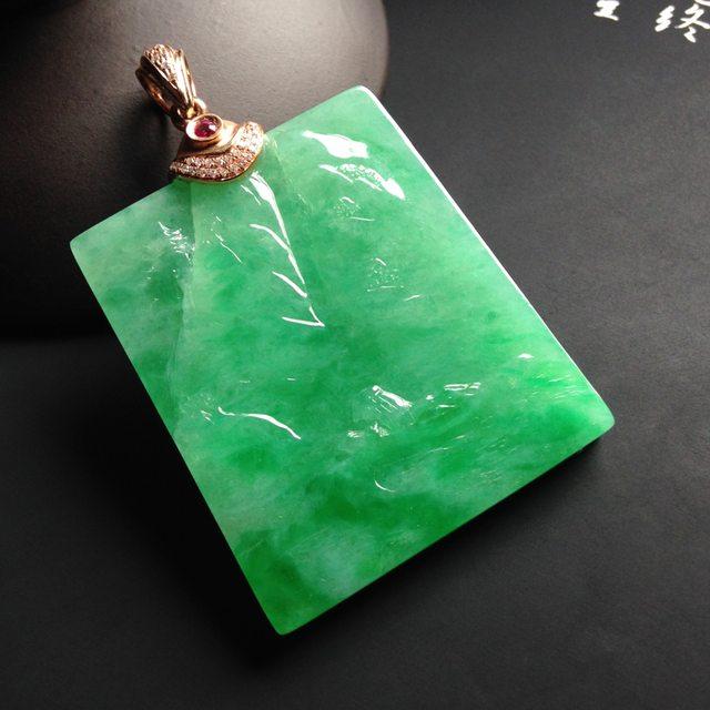 糯冰种阳绿淡泊人生 翡翠吊坠 尺寸39-33-5.5毫米