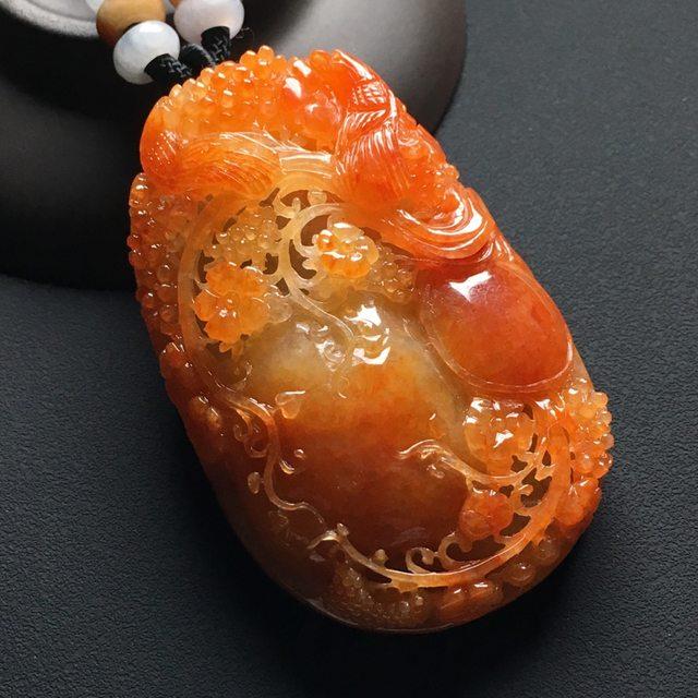 巧雕红翡鸟语花香 翡翠吊坠 尺寸:63-41-16毫米