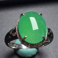 冰种阳绿蛋面戒指 真金真钻镶嵌 玉质细腻