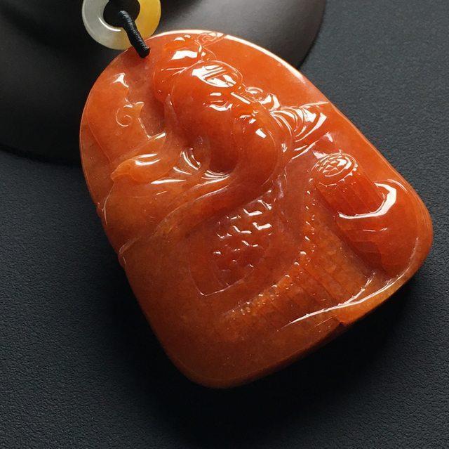 巧雕红翡忠义关公 翡翠吊坠 尺寸:57-46-11.7毫米