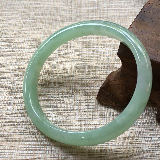 翡翠A货手镯  糯冰种苹果绿51贵妃手镯