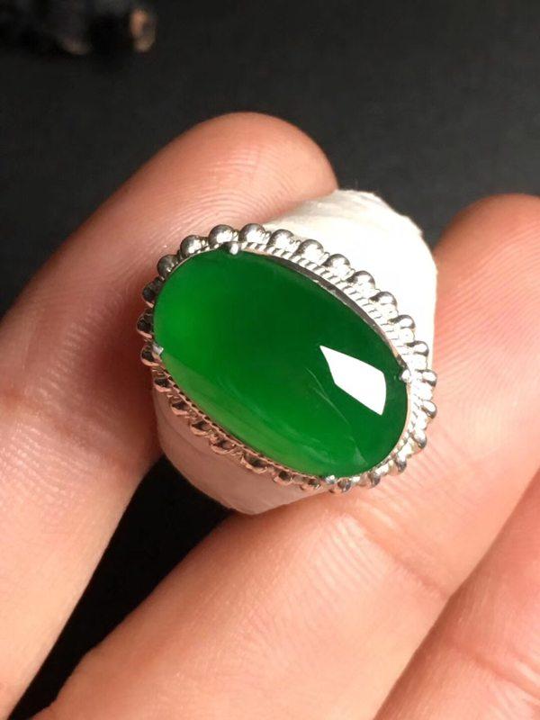高冰帝王绿 翡翠戒指15.9-9.7-3.5毫米
