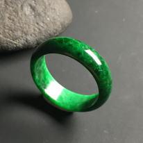 糯种满绿天然翡翠戒指 指圈19.5 宽6.5 厚3