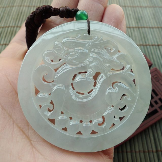 圆形复古龙牌翡翠挂件 尺寸56.8-5.4mm