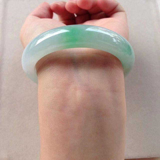 冰润阳绿翡翠镯 55-11.7-8.4mm图3