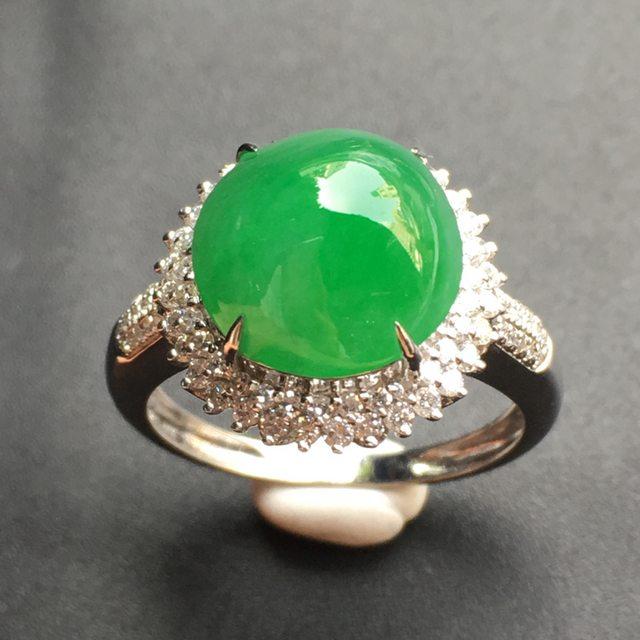 11*10.7*6.8寸满绿蛋面 翡翠戒指