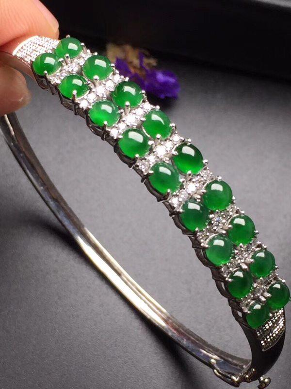 冰种阳绿蛋面翡翠手环 真金真钻镶嵌