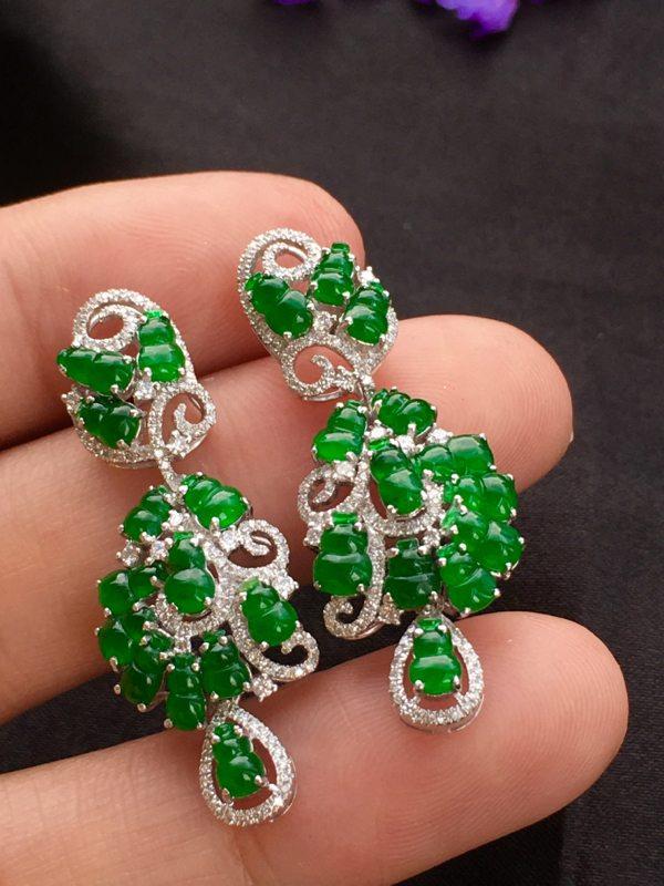 冰种满绿翡翠耳坠