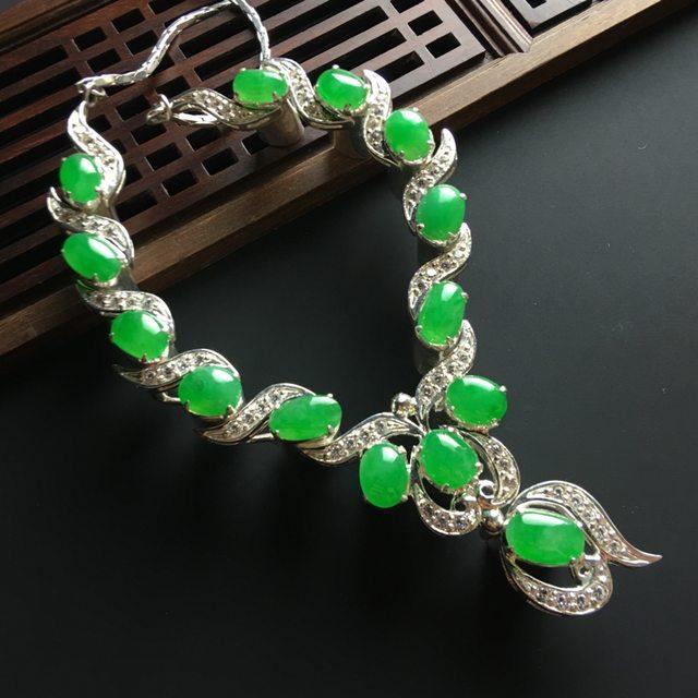 冰阳绿项链 10-6-3*8-5-3.4mm