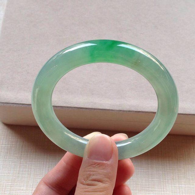 冰种辣绿翡翠手镯 缅甸天然翡翠圆条手镯 52.7-10.2mm