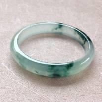 玻璃种飘花贵妃翡翠手镯 尺寸:54.8*10.1*5.9/43.2