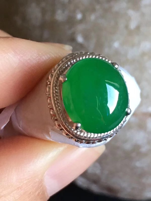 11.8-10.2-5寸老坑冰种 正阳绿色 缅甸天然翡翠戒指
