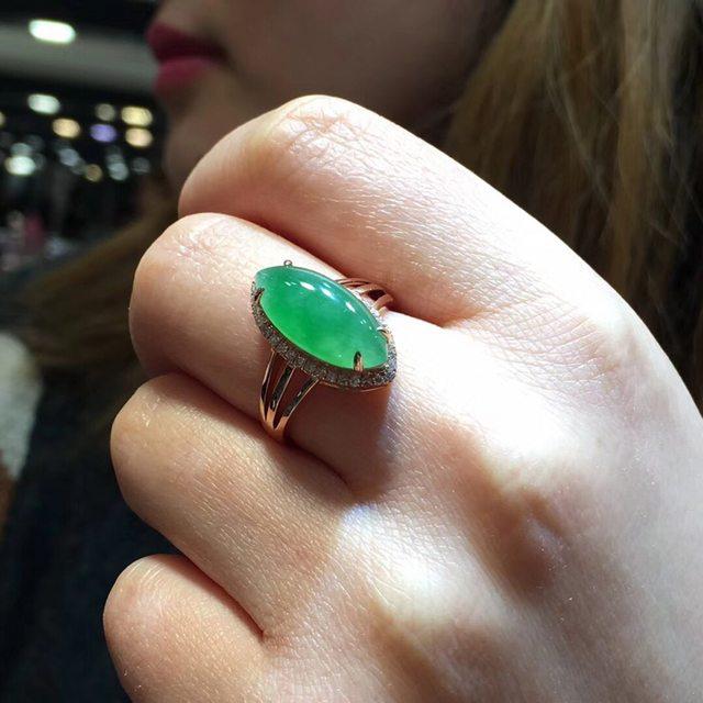 冰糯种芙蓉绿 缅甸天然翡翠戒指16.5*7.8*5.5mm