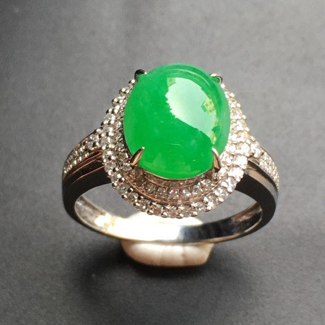 10.1*8.4*3.3寸阳绿蛋面 翡翠戒指