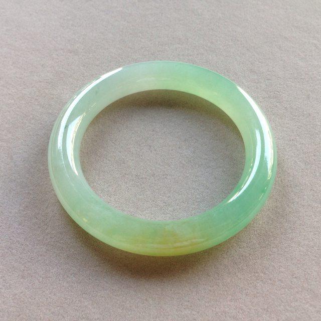 双彩黄加绿翡翠手镯  天然翡翠圆条手镯 尺寸:55/10.5/10.5