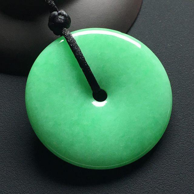 糯种满绿翡翠吊坠 平安扣翡翠吊坠 尺寸:48-6.6毫米