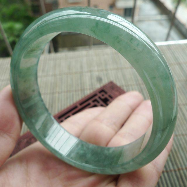 A货翡翠冰油飘花正装手镯59.6mm