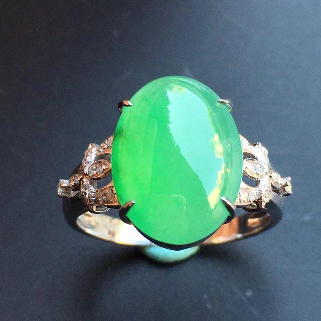 冰种阳绿 缅甸天然翡翠戒指 大小13.3*9.8*7.6mm