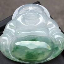 冰糯种飘绿翡翠吊坠 质地细腻