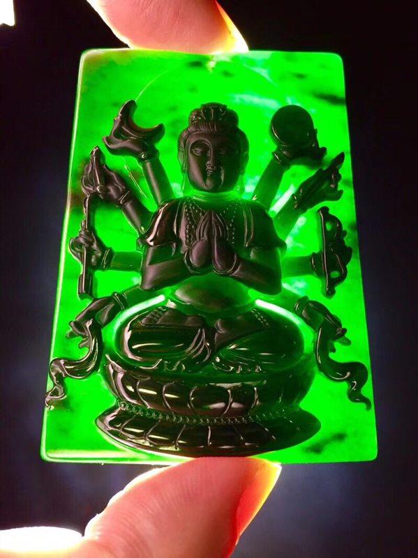 墨翠千手观音 翡翠挂件 打灯全透绿