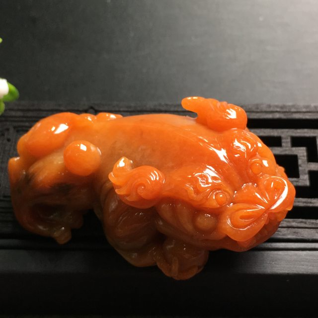 红翡貔貅 翡翠吊坠 尺寸58.9*36.8*25.6mm