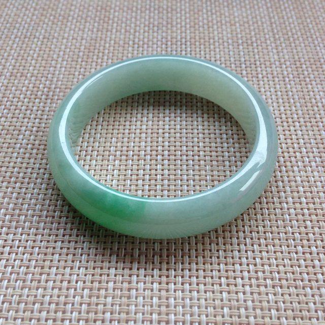 冰种飘绿翡翠手镯 缅甸天然翡翠手镯 正圈底子细腻