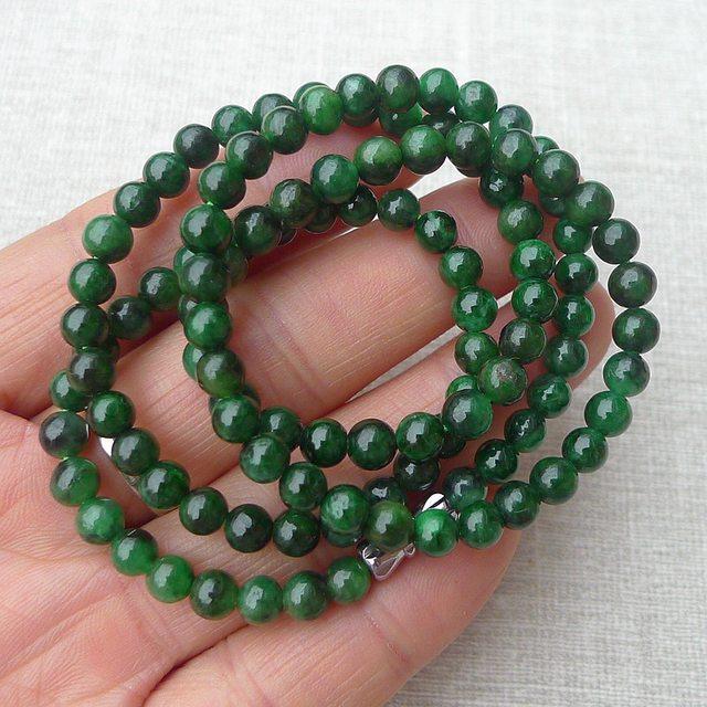 老坑精雕辣绿5.5mm圆珠项链 规格5.5mm