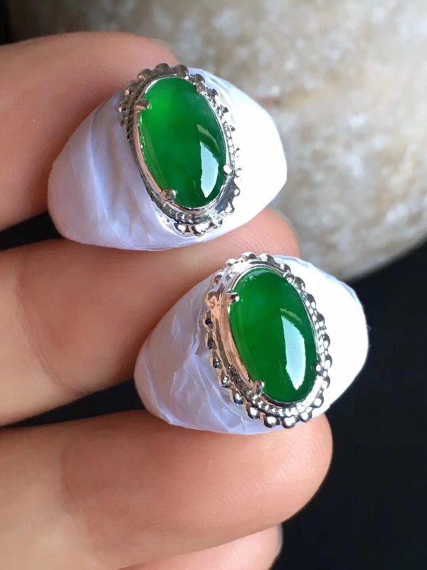 老坑冰种辣绿色11.3-6.4-3.611-6.6-3.3mm