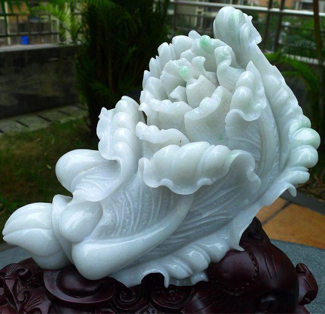 冰糯大白菜翡翠擺件 雕刻精美