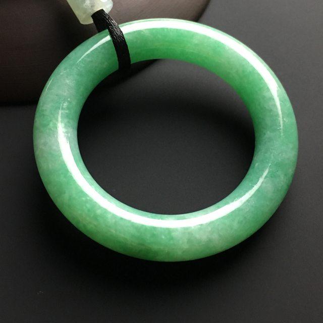 冰种满绿翡翠吊坠 尺寸51-9-8毫米