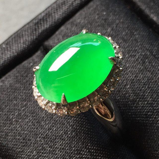 冰种阳绿女戒 缅甸天然翡翠戒指